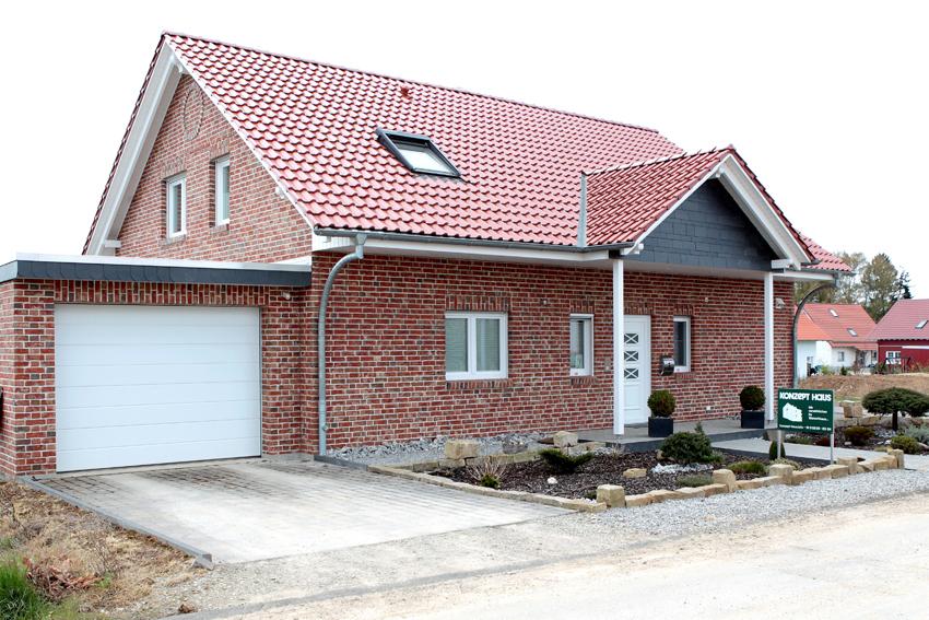 Musterhaus mit garage  Konzept Haus GmbH Das Musterhaus